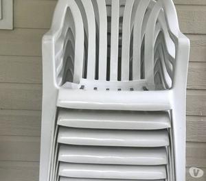 sedie e tavoli di plastica