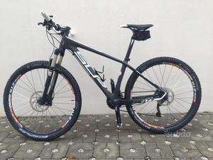 Mountain Bike Carbonio Superior XP977
