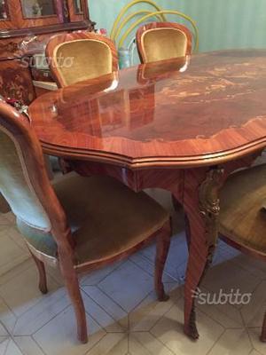 Tavolo con sedie in Bois de rose