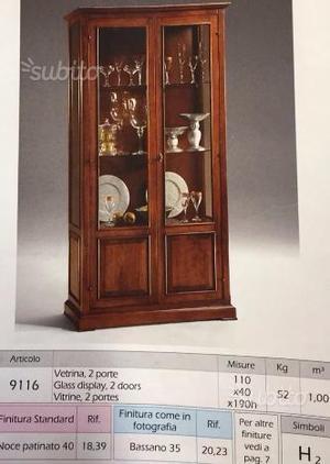 Vetrinetta in legno e vetro con ripiani in legno