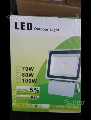 Faro,Faretto100 W LED luce bianca, 220 volt. Nuovo