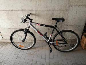 Vendo bicicletta mountain bike da 26