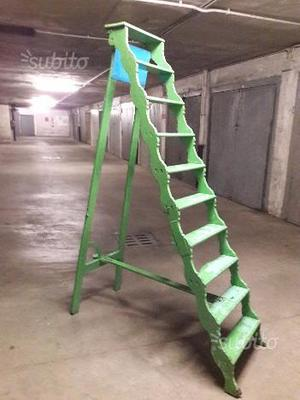 Antica scala in legno Verde