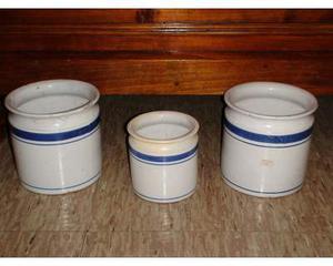 Antico tris di vasi in maiolica