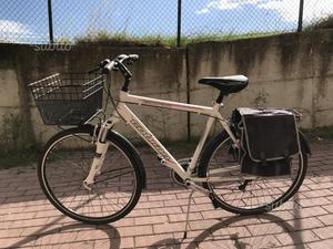 Bici ibrida (city bike e mountain bike) mai usata