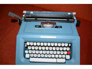 Macchina da scrivere Olivetti Studio