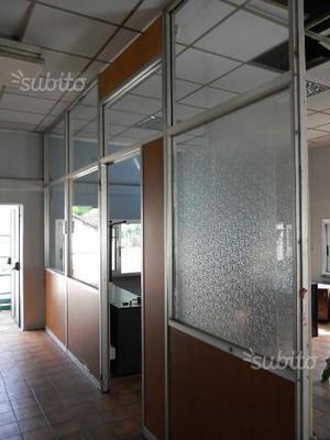Pannelli divisori ferro vetro per esterni posot class for Pannelli divisori per esterni