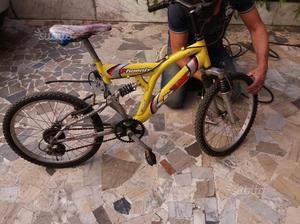 Bicicletta in buone condizioni misure 20 x bimbo