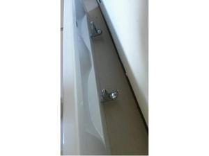 Lavandino / lavabo doppio Laufen con rubinetti