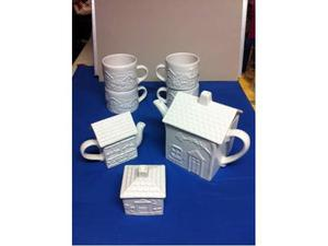 Set teiera zuccheriera lattiera e 4 tazze Mulino Bianco