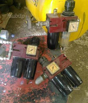 Regolatore di pressione e filtro olio