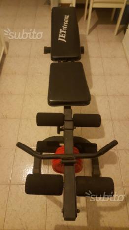 Panca per addominali e sollevamento pesi gambe
