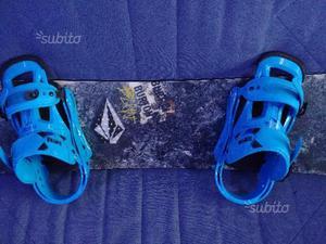 Tavola da snowboard e scarponi Burton