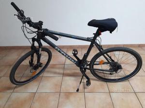 Bicicletta mountain bike b'twin