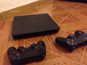 Ps4 1 terabyte + fifa 18 e due joystick