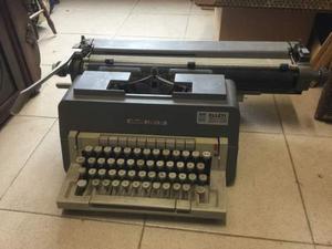 Macchina da scrivere Olivetti Linea 98