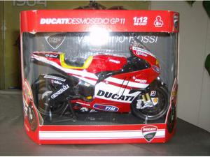 Modellino Ducati GP11 Valentino Rossi