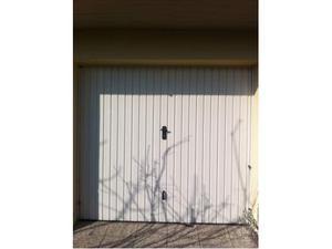 Basculante zincata di colore bianco