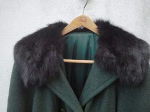 Cappotto verde in lana collo visone nero