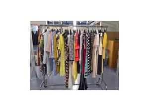 Stock di abbigliamento firmato USATO/nuovo donna e uomo