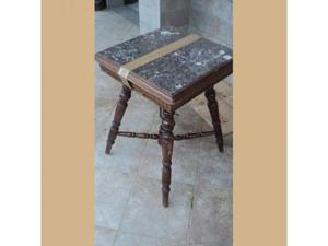 Tavolino con marmo