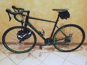 Bici da corsa CUBE ATTAIN SL