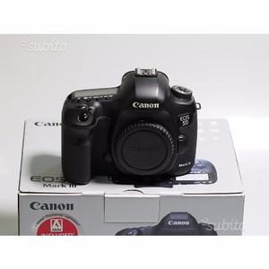 Fotocamera digitale 5D mark III,ancora in garanzia