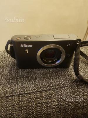 Mirrorless Nikon 1 J1 corpo macchina