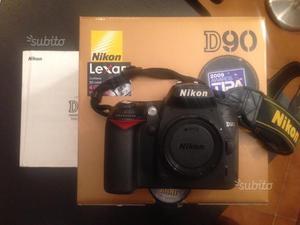 Nikon D90 con borsa in regalo