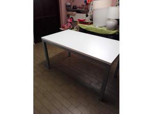 Vendo tavolo cucina in cristallo 120x75 posot class - Tavolo cristallo rettangolare usato ...