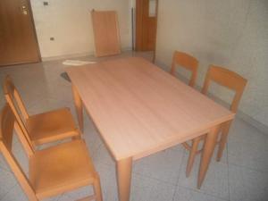 Tavolo da cucina estensibile, incluso 4 sedie