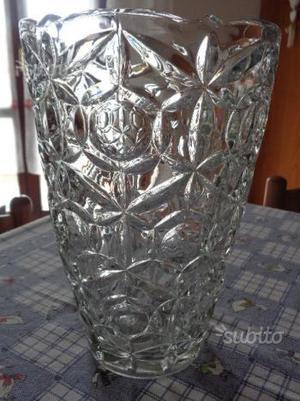 Tris di vasi pesanti in vetro lavorato