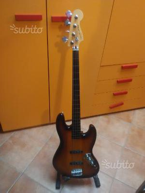 Basso jazz Squier by Fender fretless