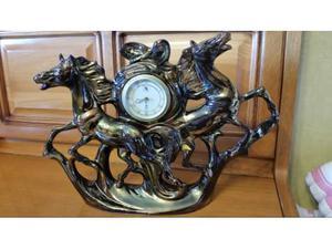 Ceramica cavalli con orologio sveglia meccanico antico