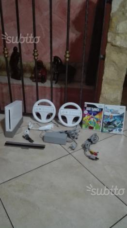 Console wii con accessori e giochi
