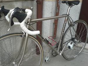 Bici da corsa con Telaio Columbus in alluminio