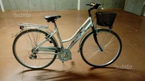 Bici donna telaio in alluminio cerchio 28