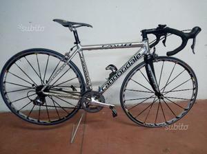 Bicicletta da corsa Cannondale caad 8