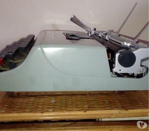 Olivetti lettera 22 macchina da scrivere originale anni 50
