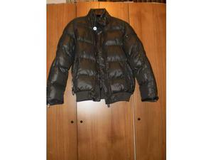 Sportiva e calda giacca a vento, da bambino, grigia.
