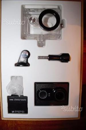 YI Action Camera con Custodia Impermeabile