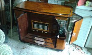 Radio con mobile bar e giradischi geloso lesa posot class - Mobile bar anni 70 ...