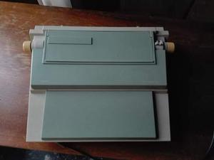 Macchina da scrivere elettronica Olivetti ET compact 65