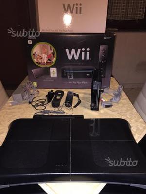 Nintendo Wii fit plus + 1 Gioco e balance board