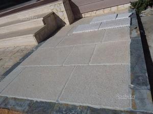 Pavimento per esterni in pietra di Trani
