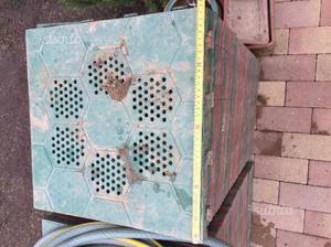 Supporti plastica per piastrelle esterne posot class - Piastrelle ad incastro per interno ...