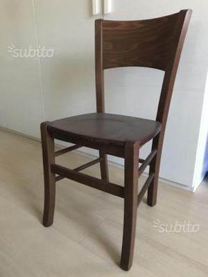 Sedie e tavolo in legno massello