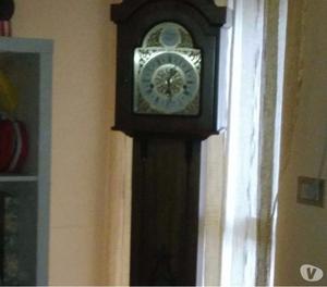 Orologio a colonna TEMPUS FUGIT
