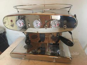 Macchina da caffè a due gruppi Illy professionale