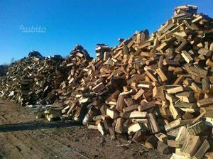 vecchio attrezzo per tagliare la legna posot class